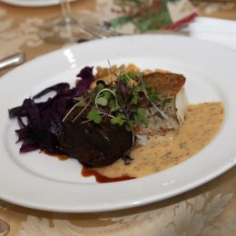 Ummm!  Sauerbraten, broiled cod, Spaetzle and red cabbage!